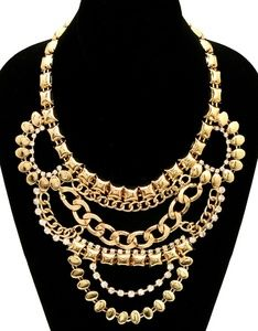 Statement necklace, Gold-toned
